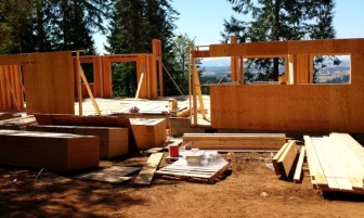 New Cottage in the Woods - Framing the house (12)