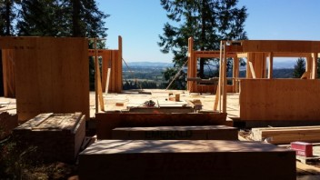 New Cottage in the Woods - Framing the house (13)
