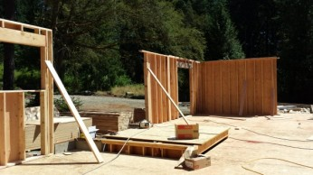 New Cottage in the Woods - Framing the house (15)