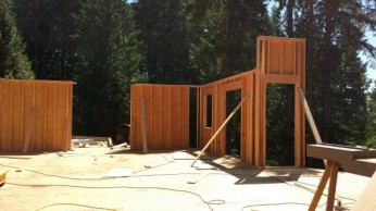 New Cottage in the Woods - Framing the house (16)