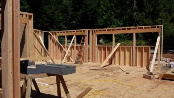 New Cottage in the Woods - Framing the house (18)