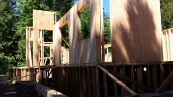New Cottage in the Woods - Framing the house (20)