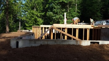 New Cottage in the Woods - Framing the house (5)