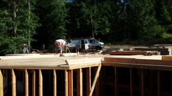 New Cottage in the Woods - Framing the house (6)